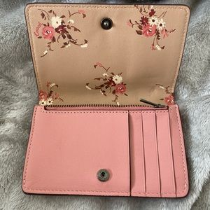 Coach Small Snap Closure Leather Wallet